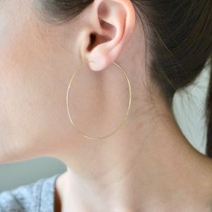 NWT 💗14k Gold solid thin gold hoops💗